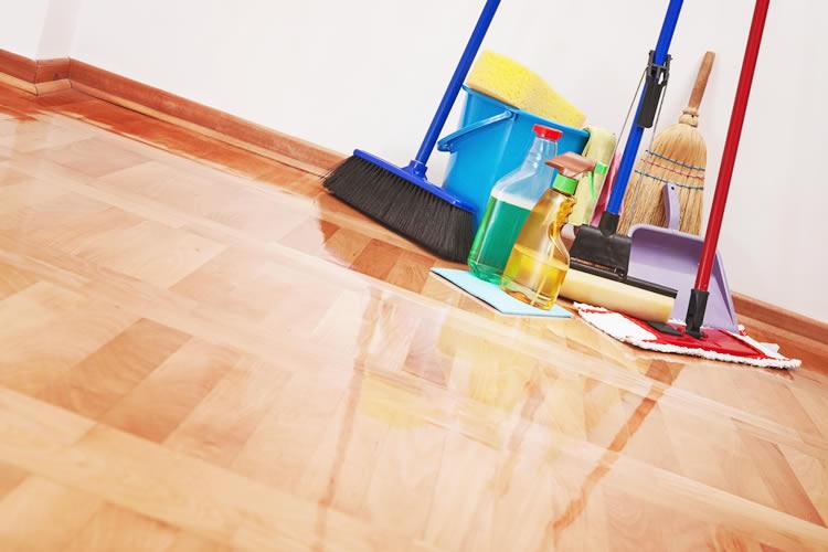 午後からは旧居の掃除に行きました